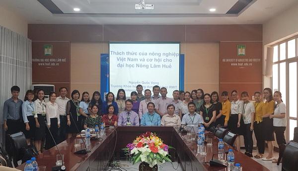"""Seminar: """"Những thách thức của Nông nghiệp Việt Nam và Cơ hội phát triển của Trường Đại học Nông Lâm, Đại học Huế"""""""