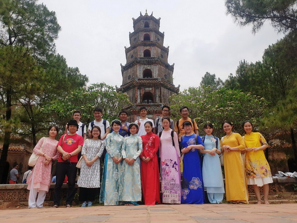 Đoàn Trường Trung học Kyoto Gakuen, Nhật Bản tham gia chương trình trao đổi tại trường Đại học Nông lâm, Đại học Huế