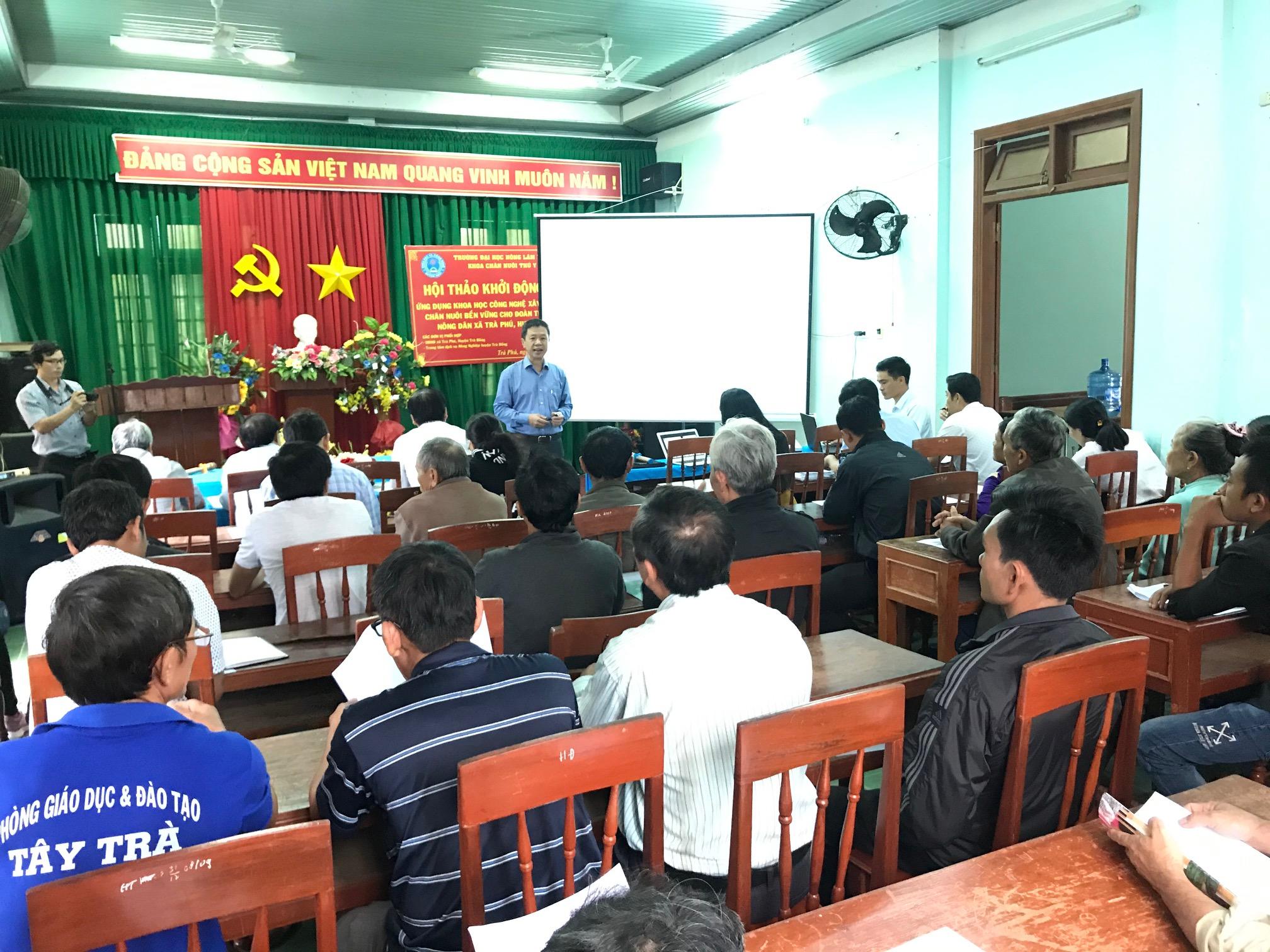 """Hội nghị triển khai dự án """" Ứng dụng KHCN xây dựng mô hình chăn nuôi bền vững cho Đoàn viên thanh niên và nông dân xã Trà Phú, huyện Trà Bồng"""""""